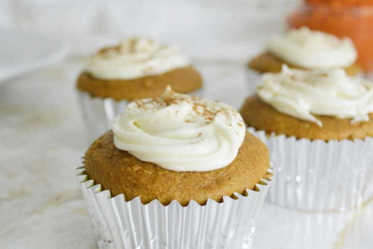 Easy Pumpkin Spice Cupcake with Maple Cream Cheese Frosting